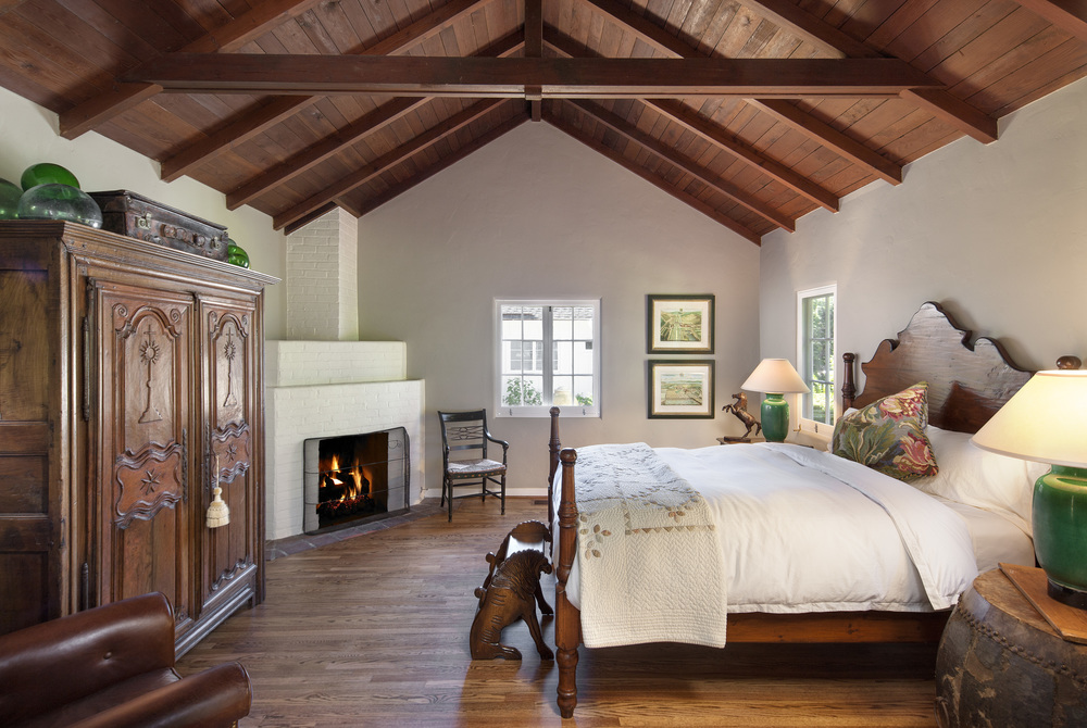 canyon-home-bedroom-montecito-california